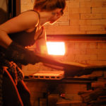 Kjúsú konvička s dřevěným madlem